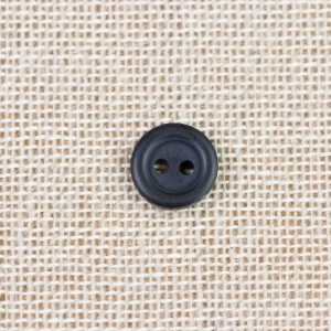 black-2-hole-dyed-shirt-button_2753_sq