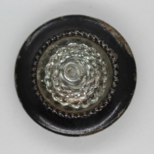 clear-glass-mounted-on-black-metal-1900s-button_4631_sq
