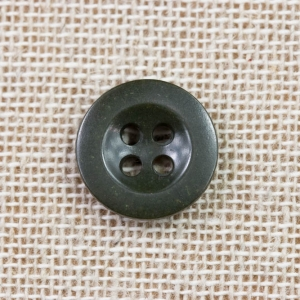 green-4-hole-round-plastic-trouser-button_3366_sq