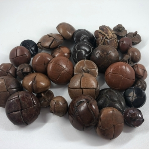 mixed-bag-of-brown-leather-shanked-buttons-bag-16_5299_sq