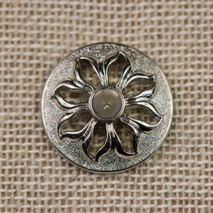 silver-round-floral-pattern-button_3577_sq