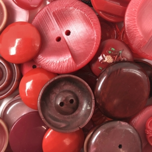 various-red-mixed-button-bag_4943_sq