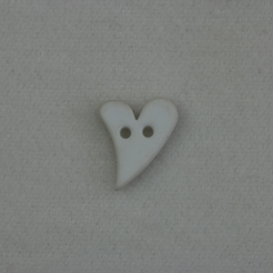 white-2-hole-mini-heart-button_607_sq