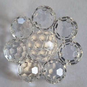 white-clear-plastic-flower-button_509_sq